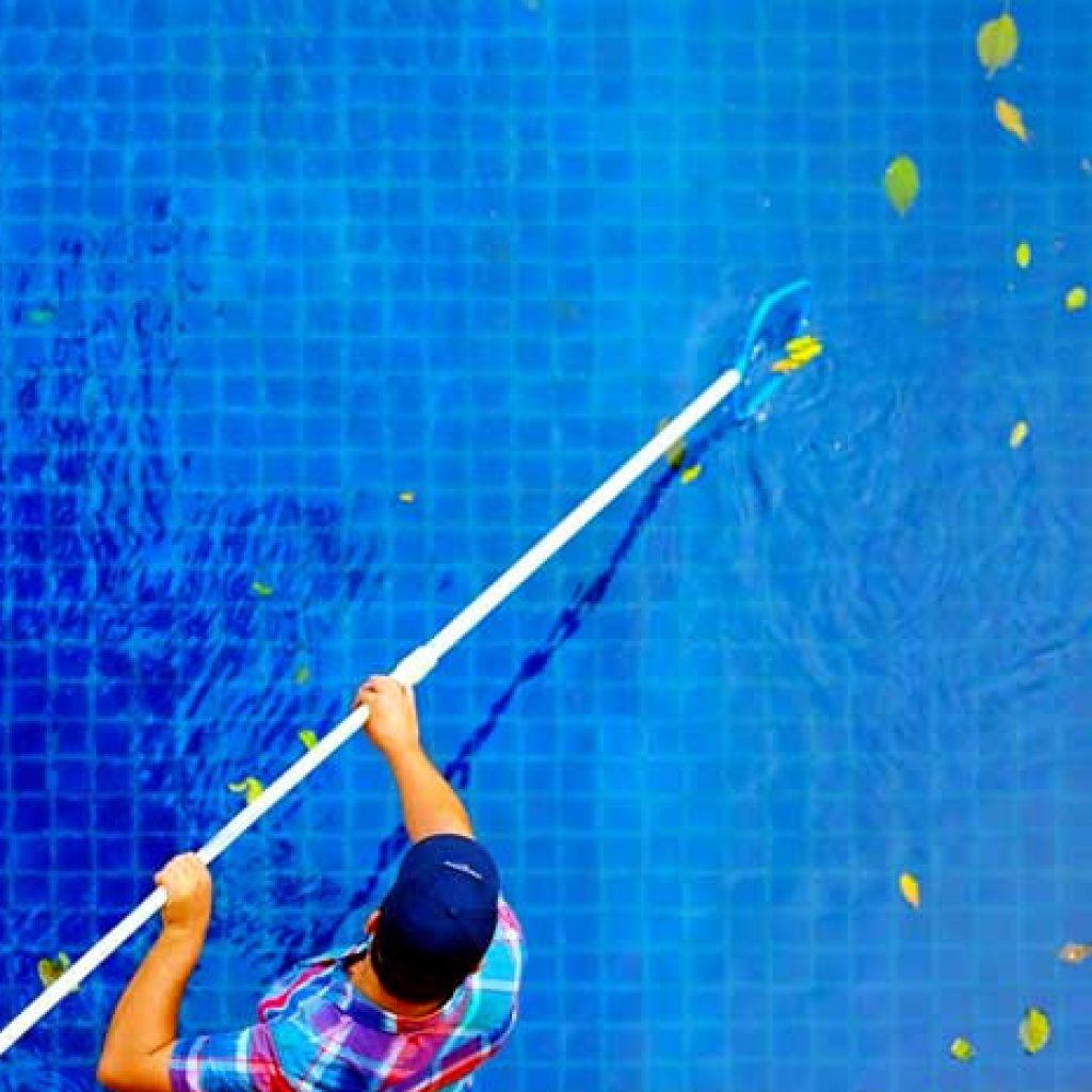 Limpeza e manutenção de piscina