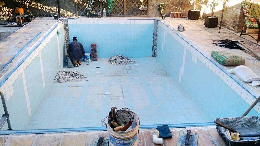 Júlio - Caiçara (Transformação de piscina de pastilhas em piscina de vinil)