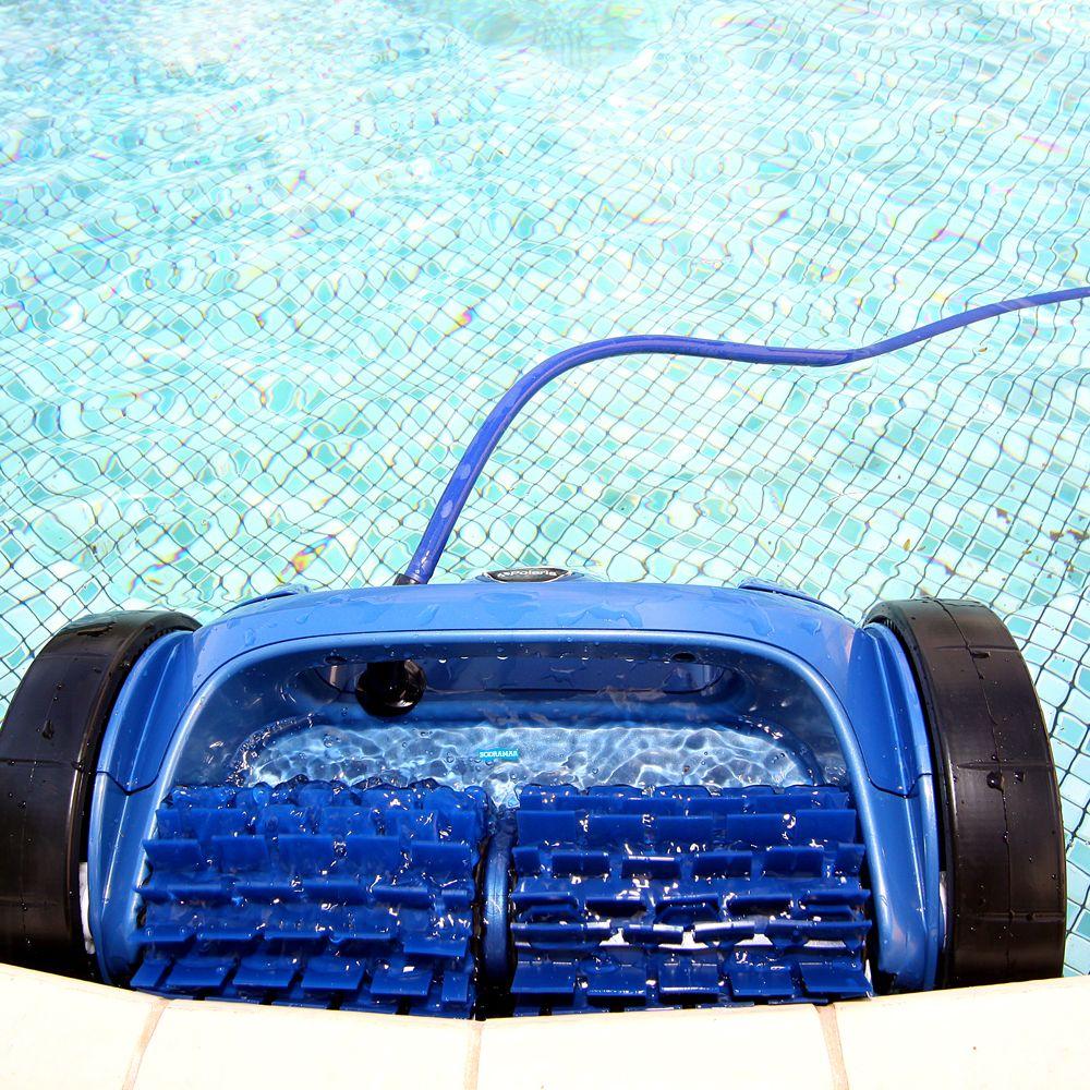 Robô para limpeza de piscinas