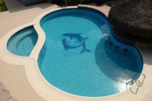 A piscina de concreto armado