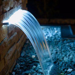 Cascata com LED para piscina