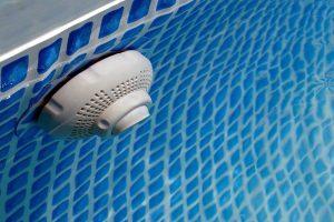 Dispositivo de retorno da piscina
