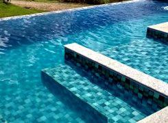 A diferença entre uma construtora e uma construtora de piscinas