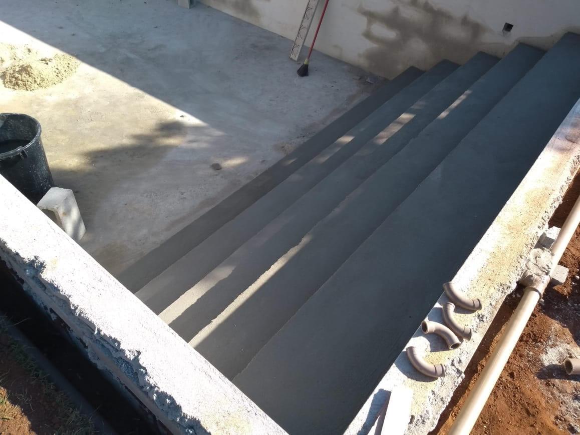 Construção da piscina da Rose - Condomínio Gran Royalle