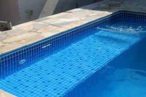 O fluxo da água na piscina