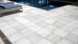 Pedra para piscinas