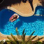 Motivos para não economizar na construção da piscina