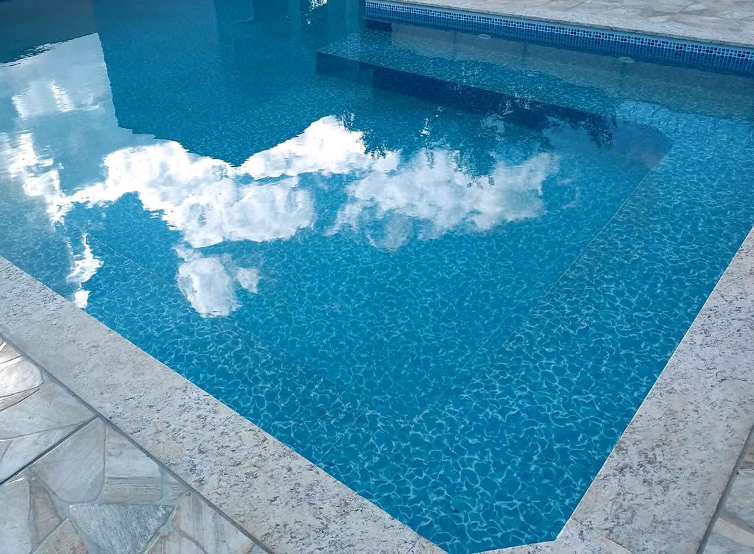 Pedra pra borda da piscina