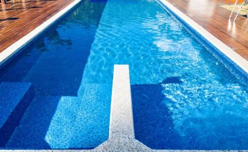 Saiba mais sobre a construção de piscinas de vinil