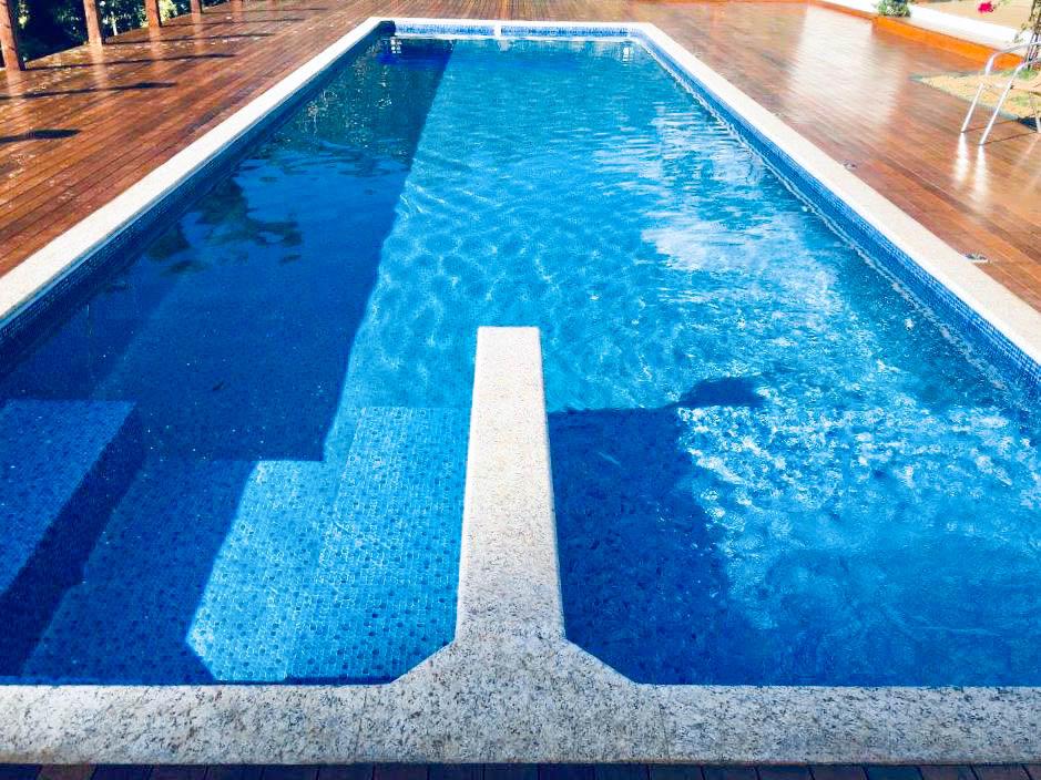 Construção da piscina de vinil do Paulo Henrique – Ouro Preto