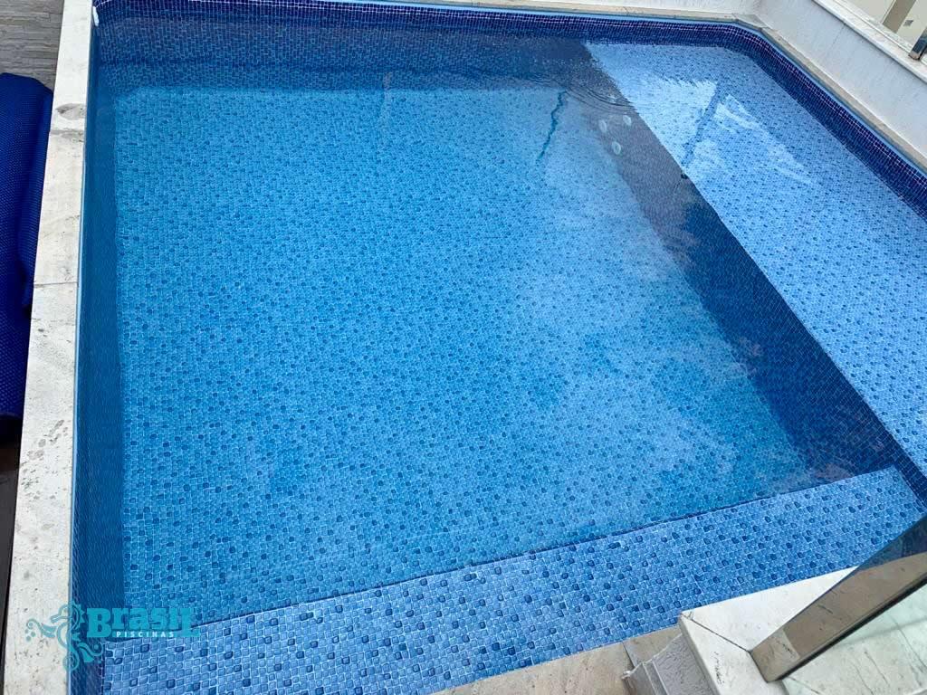 Adequação em vinil da piscina do Euromar