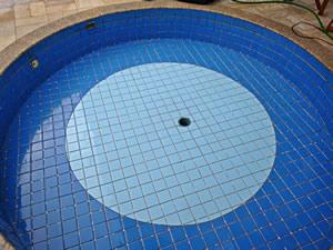Ralo de fundo da piscina