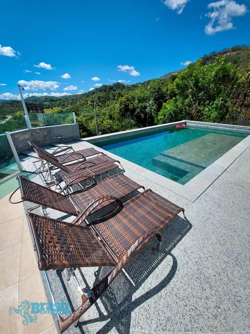 Orientação técnica e instalação dos equipamentos na piscina de alvenaria da Rosângela - Nova Lima