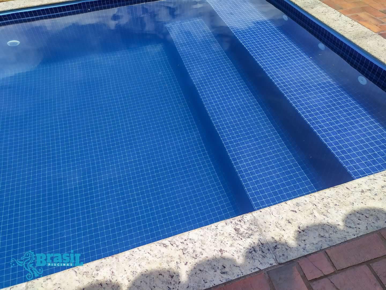 Troca do vinil da piscina do Murilo